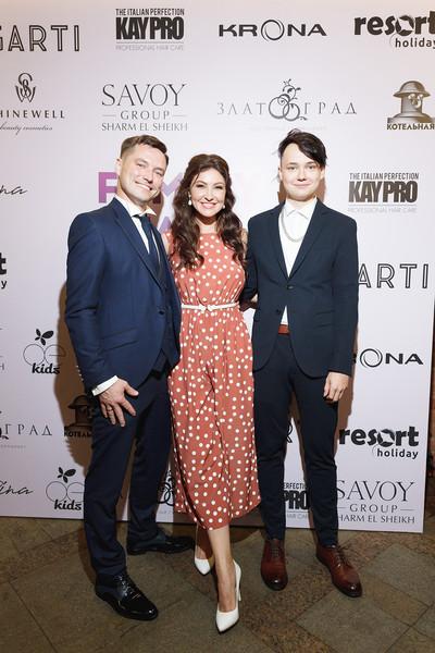 Анастасия Макеева и Роман Мальков с сыном, фото:woman.ru