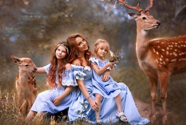 Максим с дочерьми