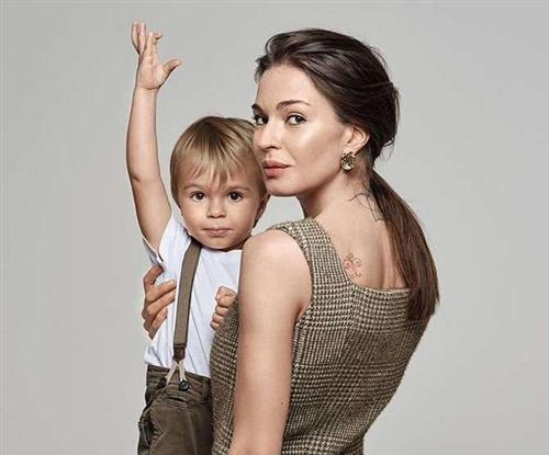 Агния Дитковските с сыном от Алексея Чадова