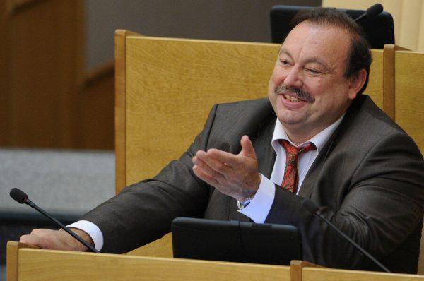 """""""Идёт зачистка нашей семьи. Это месть Дмитрию, это месть мне"""", - как сейчас живёт оппозиционер Геннадий Гудков и его сыновья. Биография, личная жизнь политика"""