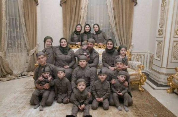 Семья Рамзана Кадырова в 2020 году. Фото eadaily.com