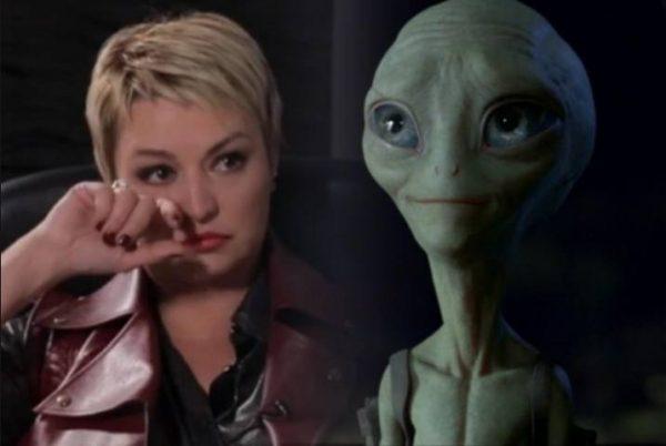 Катя Лель уже 30 лет общается с пришельцами. Фото express-novosti.ru