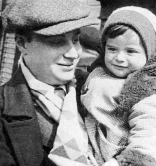 Александр Менакер с сыном Кириллом. Фото из открытого доступа