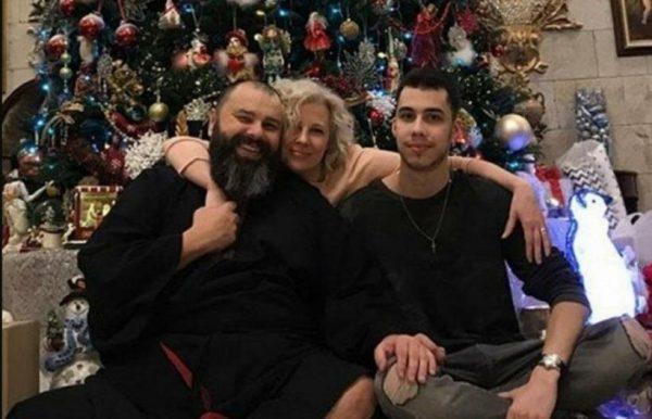 Макс Фадеев с семьей