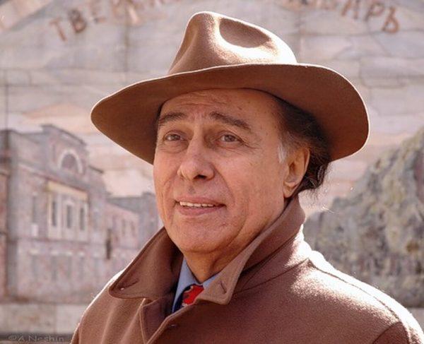 Николай Сличенко в шляпе