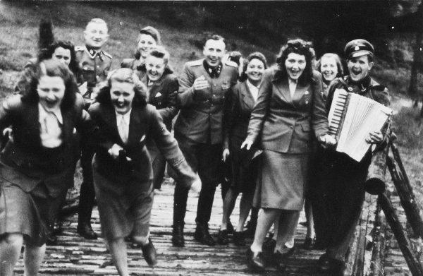 Работники Освенцима на выходном