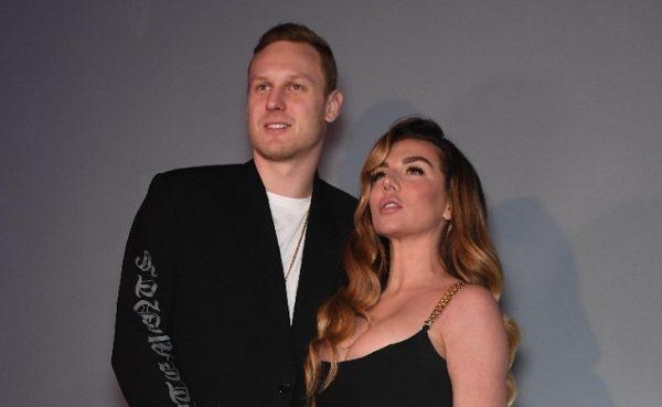 Седокова с мужем