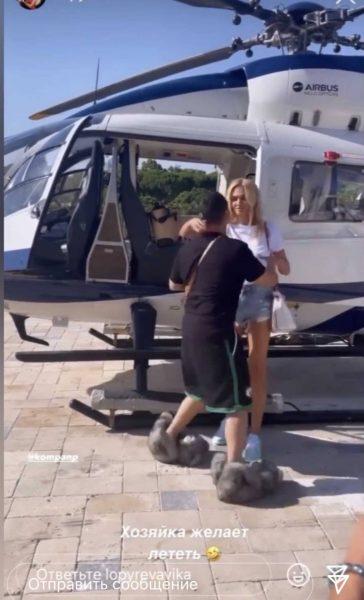 Виктория Лопырева, кадр из видео внизу