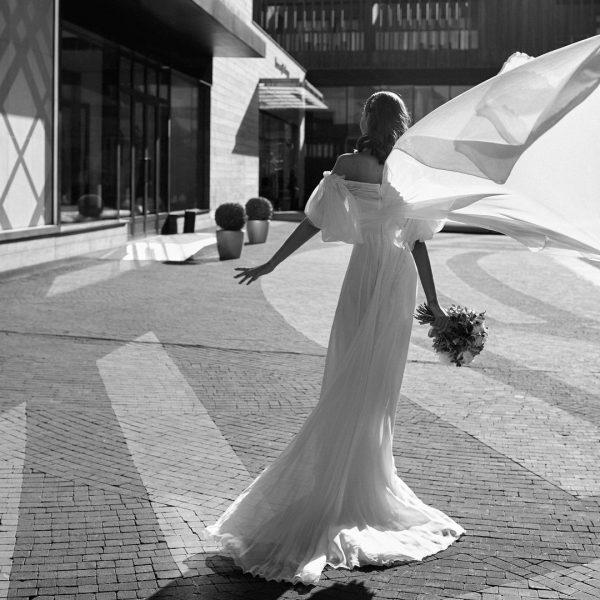 Алеся Кафельникова в свадебной платье
