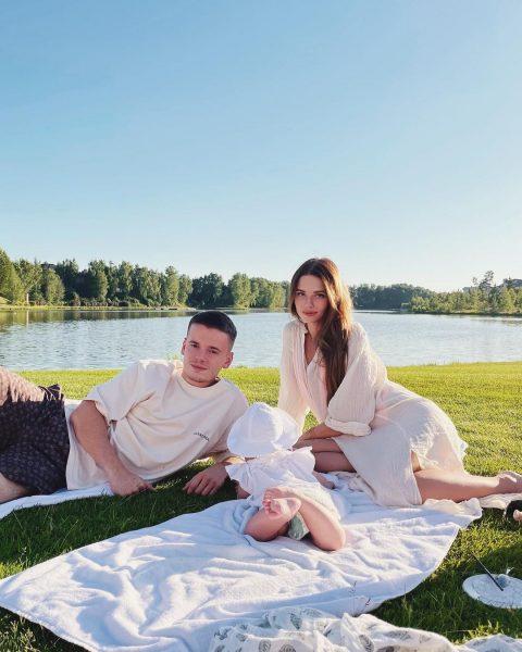 Лиана Шульгина с мужем и дочкой