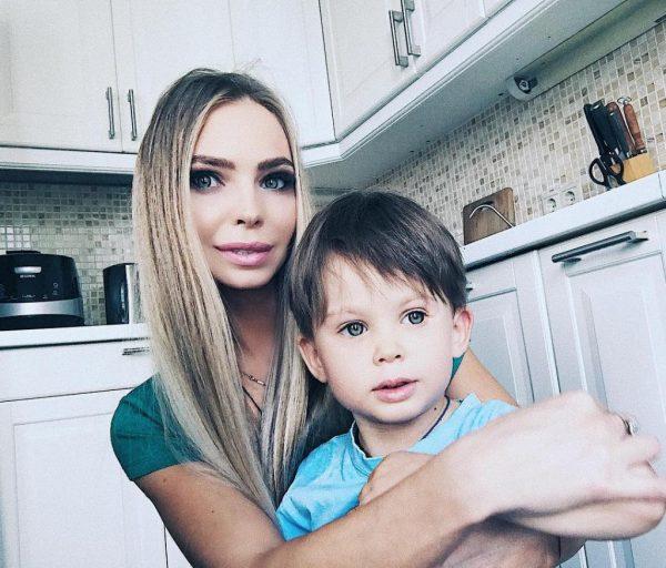 Наталья Горчакова с сыном, фото:syl.ru
