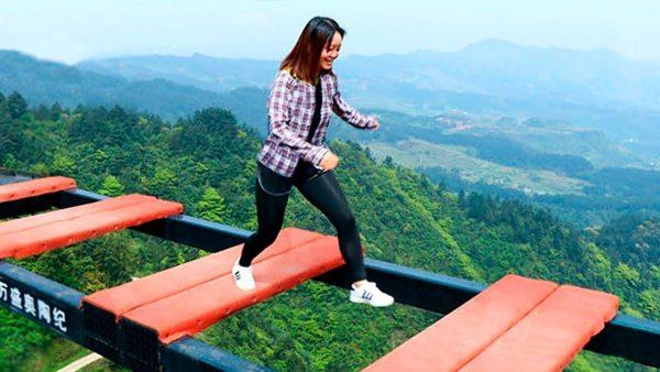 Мост страшный в Китае