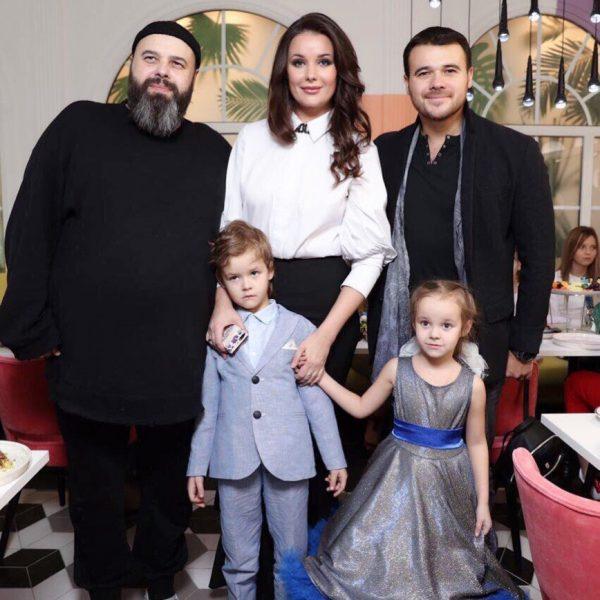 Оксана Фëдорова с детьми