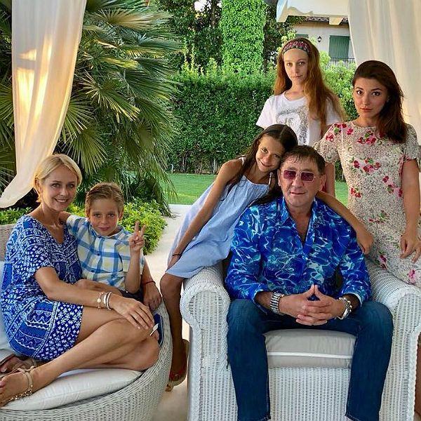Лепс с семьёй