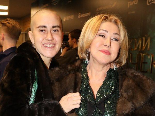 Любовь Успенская с дочерью, фото:factsinter.com