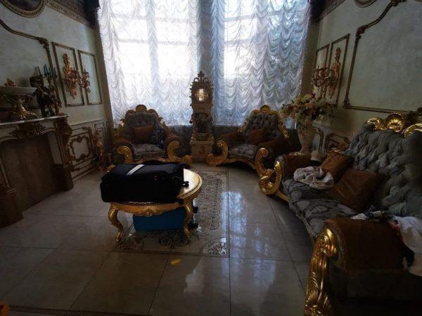 Арестованный начальник ГИБДД оправдался за Версаль, принадлежащий любовнице