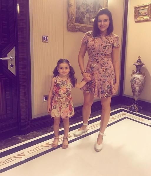 Виктория Крутая с дочкой. Фото woman.ru