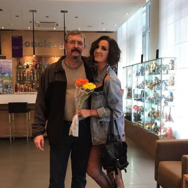 Ольга Бузова с отцом, фото:starhit.ru