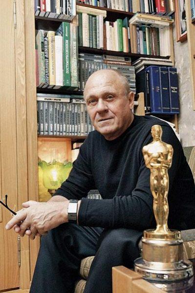 Владимир Меньшов с «Оскаром»