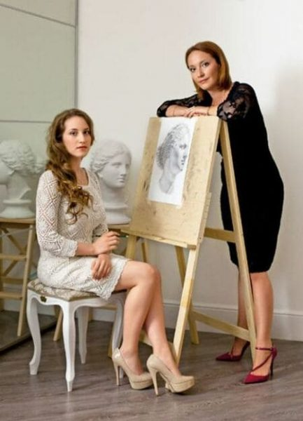 Арина Мелик-Карамова с дочерью Алисой