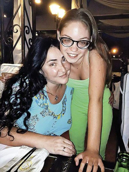 Лолита Милявская с дочерью, фото:eva.ru