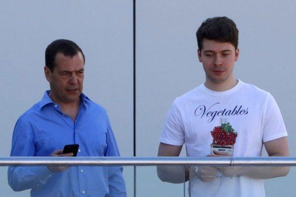 Дмитрий и Илья Медведевы. Фото mt.storyone.ru