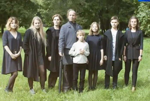 Семья Ивана Охлобыстина. Фото stuki-druki.com
