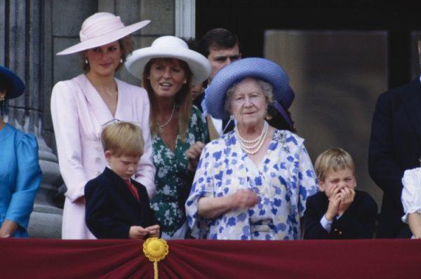 принцесса Диана, Сара Фергюсон, королева Елизавета, принцы Уильям и Гарри