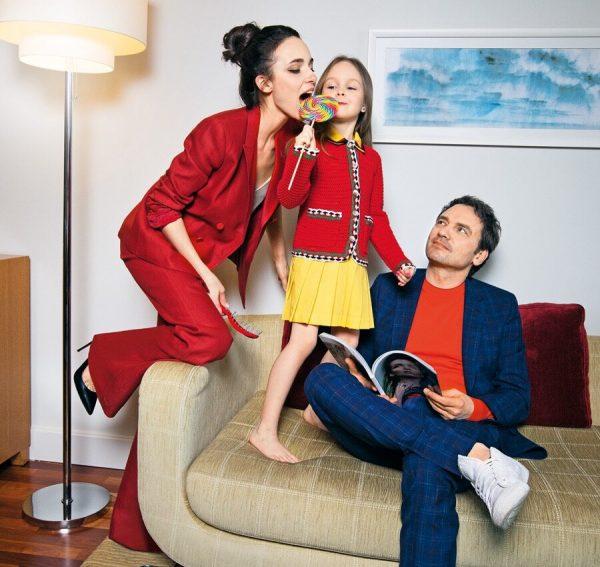 Анна Снаткина и Виктор Васильев с дочерью