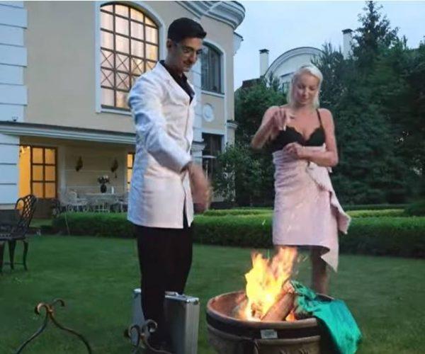 Сжигание платья Волочковой. Скрин youtube