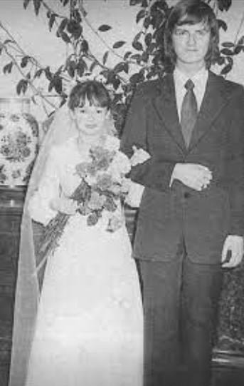 Свадебное фото Татьяны и Юрия Аксюты. Фото из открытого доступа