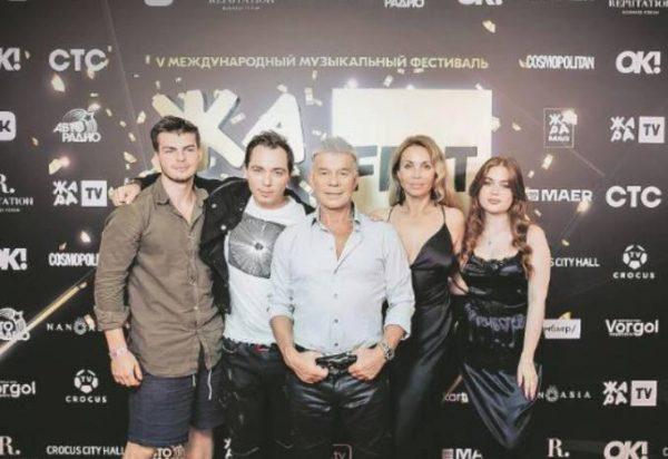 Олег Газманов с женой и детьми. Фото: Инстаграм