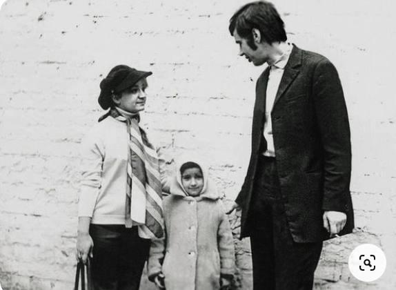 Стас Садальский с женой и дочкой. Фото pinterest.at