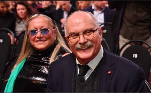 Никита Михалков с женой. Фото club-tm.ru