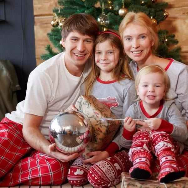 Алексей Ягудин и Татьяна Тотьмянина с детьми, фото:newstes.ru