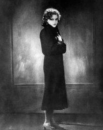 Грета Гарбо в юности. Фото mt.storyone.ru