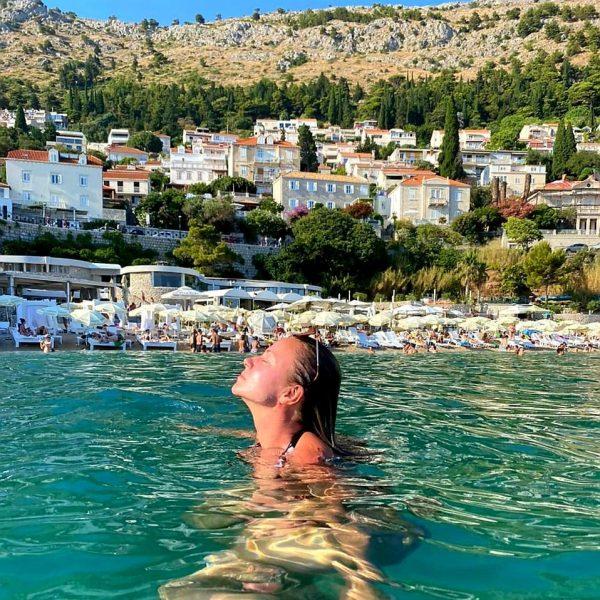 Мария недавно вернулась с отдыха в Хорватии