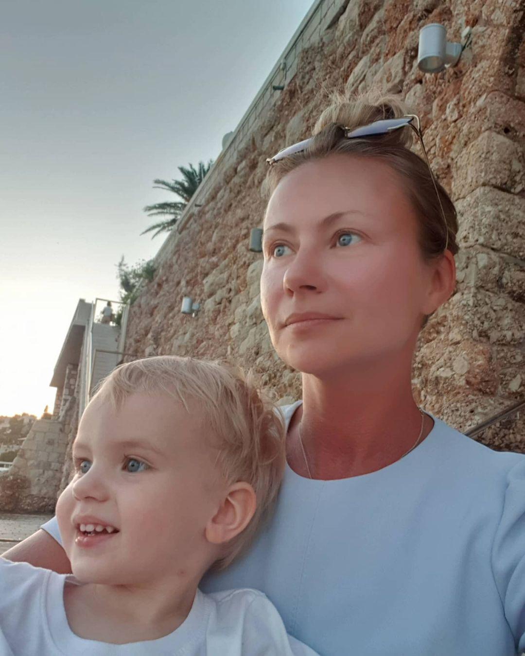 Мария Миронова с сыном,