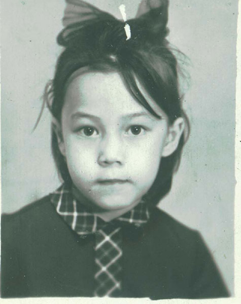 Азиза в детстве