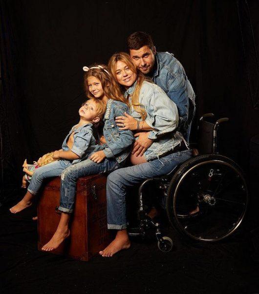 Ксения Безуглова с семьёй, фото:Pinterest