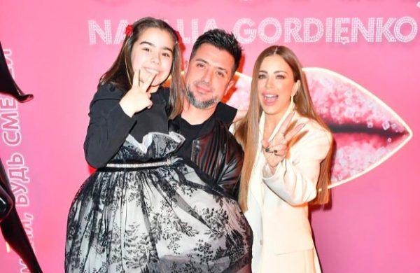 Ани Лорак с бывшим мужем и дочерью. Фото odnaminyta.com