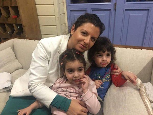 Маргарита Симоньян с детьми