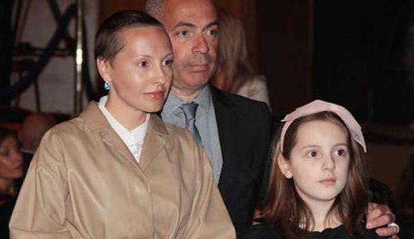 Михаил Грушевский с Ириной Мироновой и дочерью, фото:firstarevent.ru