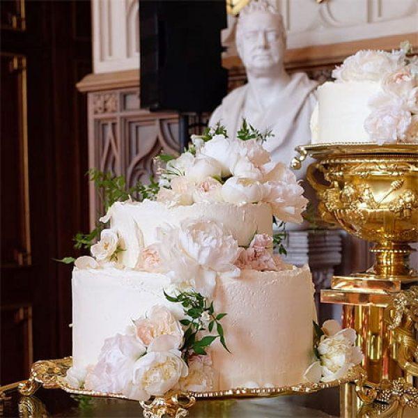 Свадебный торт принца Гарри и Меган Маркл. Фото instyle.ru