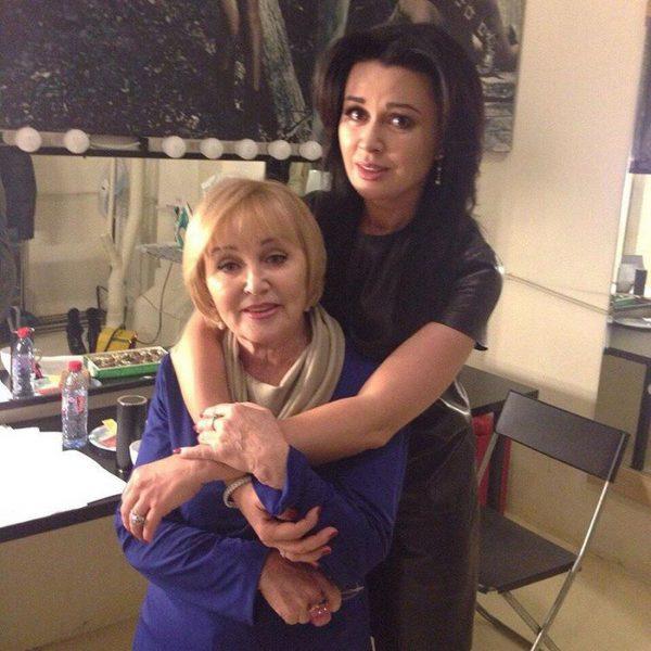 Анастасия Заворотнюк с матерью, фото:tvcenter.ru