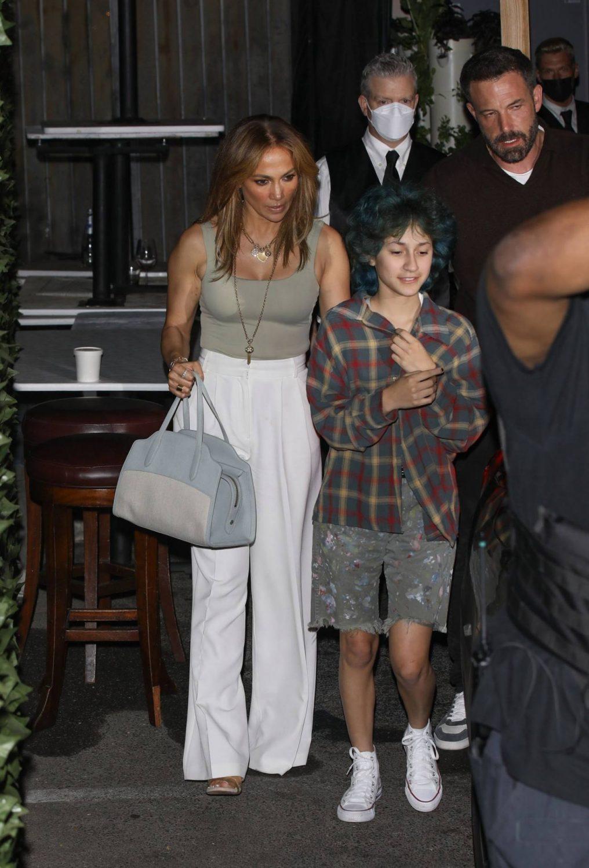 Дженнифер Лопес с дочкой Эммой и Беном Аффлеком,