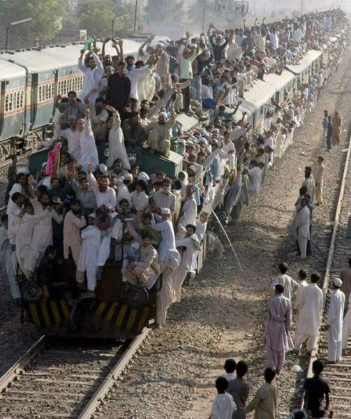 Поезд в Пакистане,