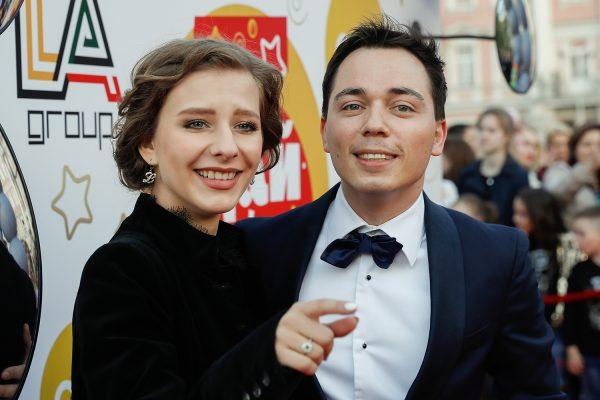 Родион Газманов и Лиза Арзамасова, фото:goroskop365.ru