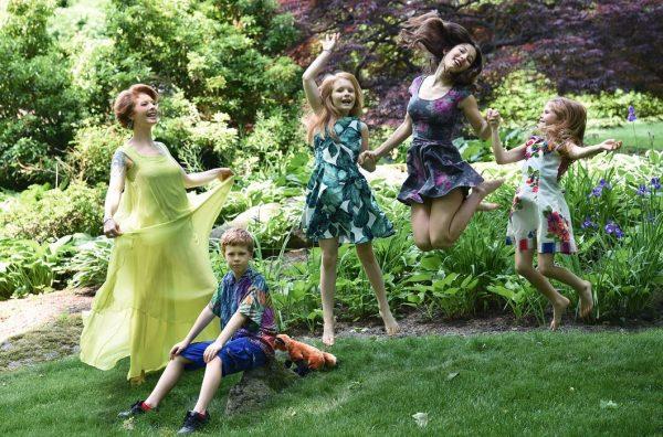 Амалия Мордвинова с детьми,