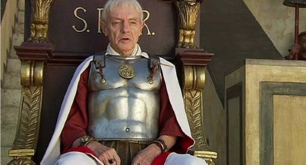 Кирилл Лавров в роли Понтия Пилата. Фото uznayvse.ru